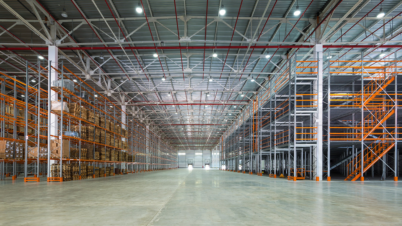 How American Warehouses Maintains Optimal Storage Space
