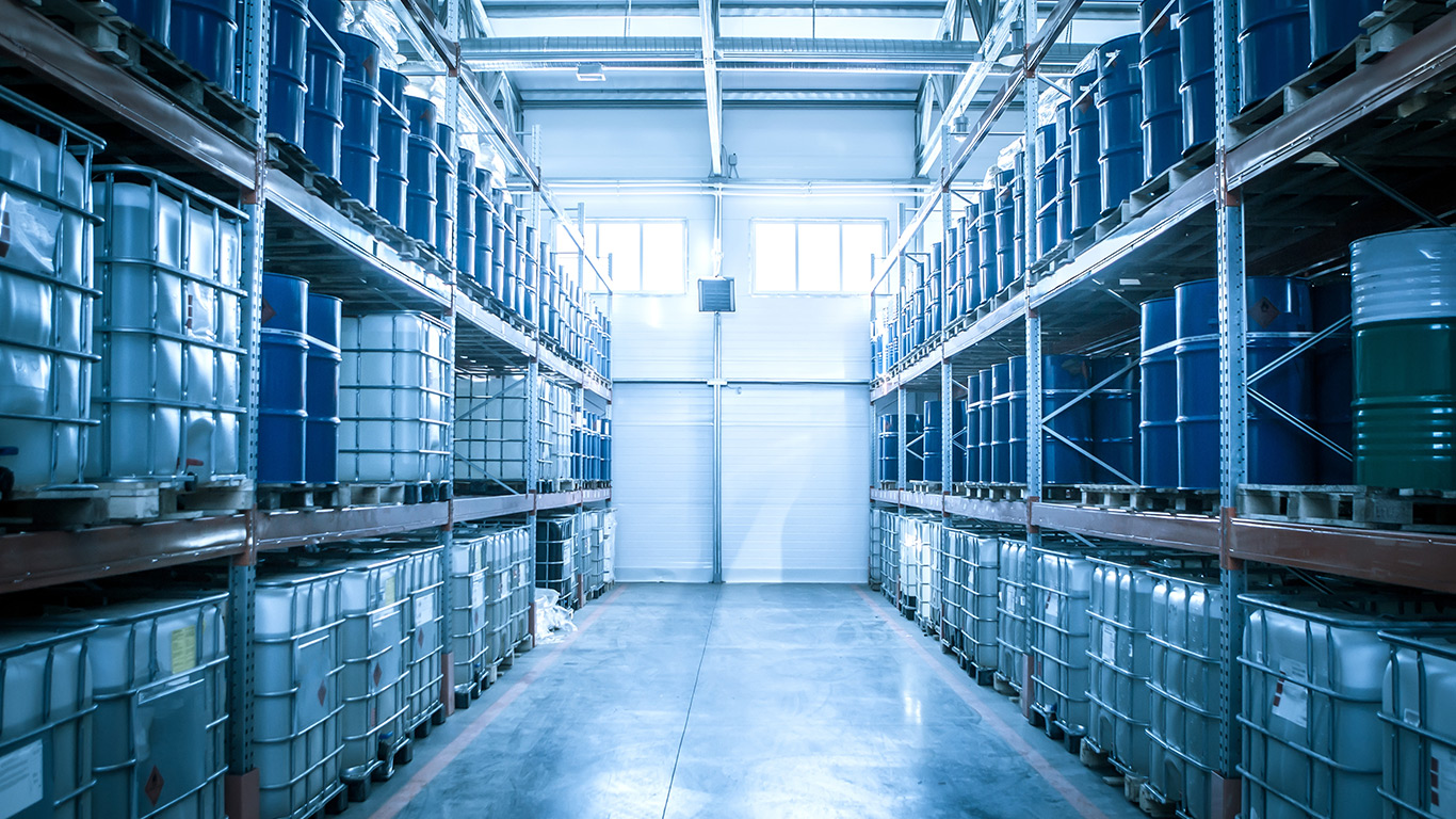 What to Look for in a Dependable Chemical Warehouse